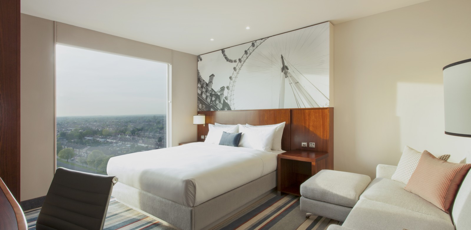 6-HyattPlace1004Bedroom_wih_pouff_Southall - Juttla Architects